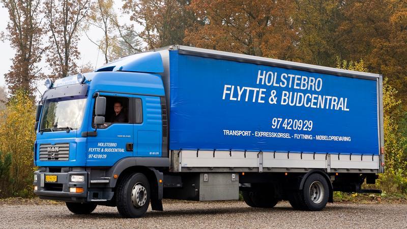 Vi trækker lod om et gavekort til Holstebro Flytte- og Budcentral.